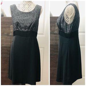 📣 Forth Towne Black & Gray Dress
